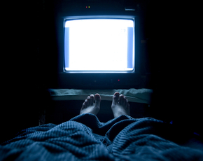 Thumb is watching tv in the dark bad for you