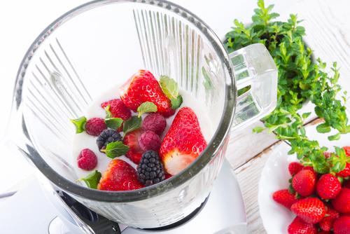 Big is blending fruit bad for you