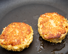 Thumb are crab cakes bad for you